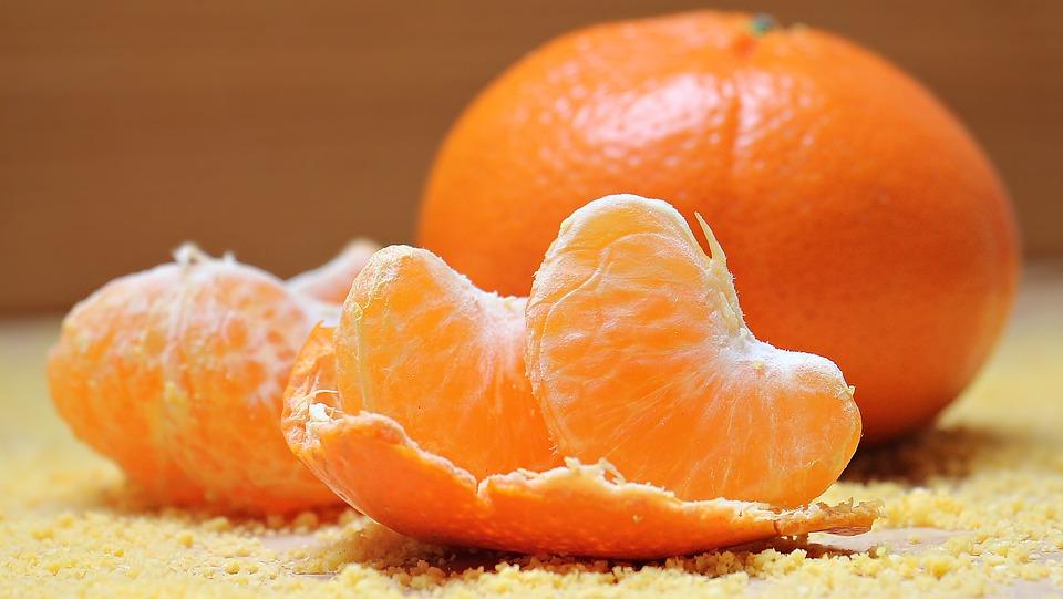 100%果汁濃縮還元オレンジジュースは、なぜ濃縮還元をするのか。